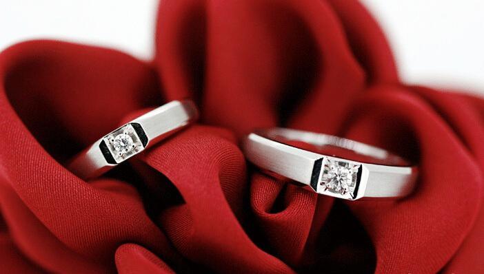 结婚对戒的戴法